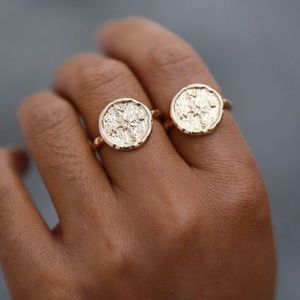 🆕 Boho Gold Hammered Compass Graduation Ring